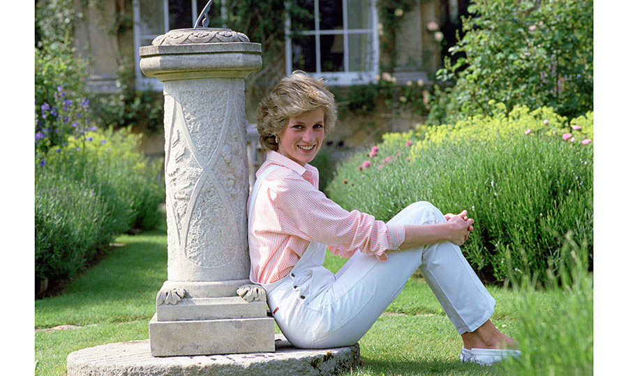 <h4>A TRIBUTE TO DIANA 1961-1997</h4><p>On Aug. 31, 1997, Diana, Princess of Wales, was tragically killed in a car crash in Paris. She was just 36 and left behind two grieving children – Prince William, 15, and Prince Harry, 12. Her sons, who are following in Diana's humanitarian footsteps, spent the 20th anniversary together reminiscing. Hello!'s special collector's edition honoured the beloved People's Princess, with stories and photos highlighting her personal and global legacy.  </p><p>Photo: &copy; Getty Images</p>