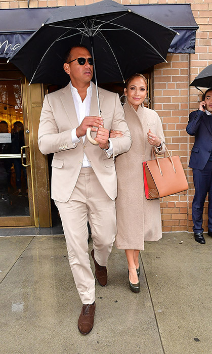 "<h4>J.LO MEETS HER MATCH</h4><p>Just weeks after they started dating, Jennifer Lopez and retired baseball player Alex Rodriguez took their love to the streets in stylish co-ordinated outfits. Said A-Rod: ""We're having a great time. She's an amazing girl and one of the smartest human beings I've ever met and an incredible mother.""</p>