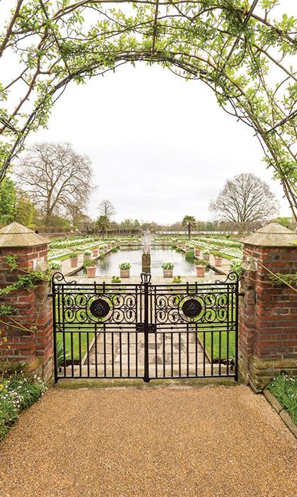 <h4>HONOURING ENGLAND'S ROSE</h4><p>Kensington Palace unveiled the poignant White Garden in tribute to Diana, Princess of Wales, on the 20th anniversary year of her death. Filled with white tulips, daffodils and hyacinths, it was inspired by Diana's life and style.</p>