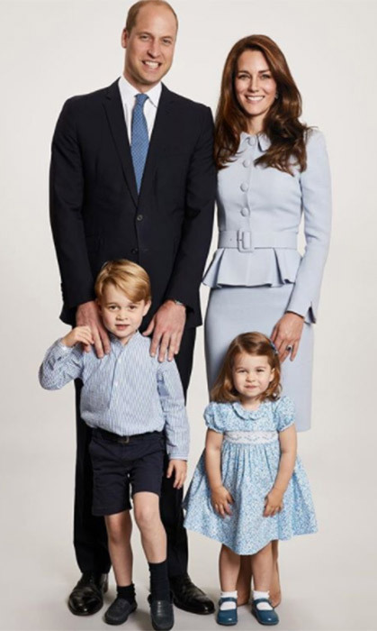 <p>Merry Christmas Prince George and Princess Charlotte! The royal siblings posed alongside their parents William and Kate at Kensington Palace for their official Christmas card photo.</p>