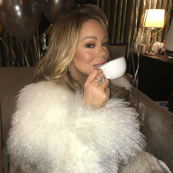 "She finally got her tea! It was a happy ending for Mariah Carey who redeemed her 2017 New Year's Rockin' Eve performance with her 2018 one. During her live number, the singer mentioned someone forgetting to give her a hot tea. She later took to Instagram to show she ""found"" it!