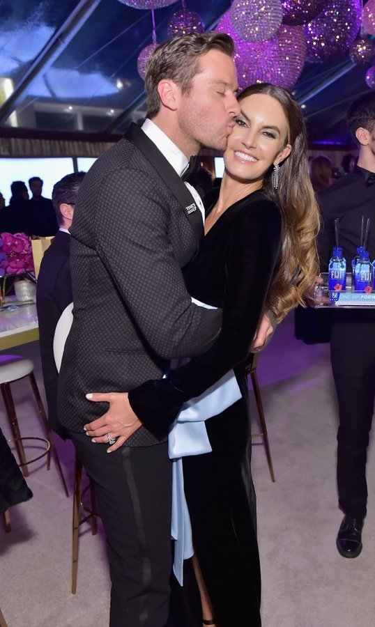 <p><em>Call Me By Your Name</em> star Armie Hammer embraced wife Elizabeth Chambers at the HFPA's Official soir&eacute;e. <br /><br />Photo: &copy; Stefanie Keenan/Getty Images for FIJI Water</p>