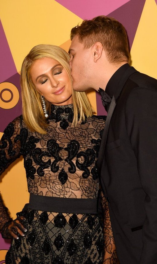 <p>Recently engaged Paris Hilton and her fianc&eacute;, <em>The Leftovers'</em> Chris Zylka, were adorably loved up at the HBO gathering.<br/><br/>Photo: &copy; FilmMagic/FilmMagic for HBO</p>