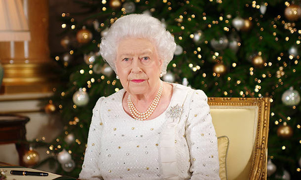 the reason the queens christmas decorations stay up until february - Queen Christmas Decorations