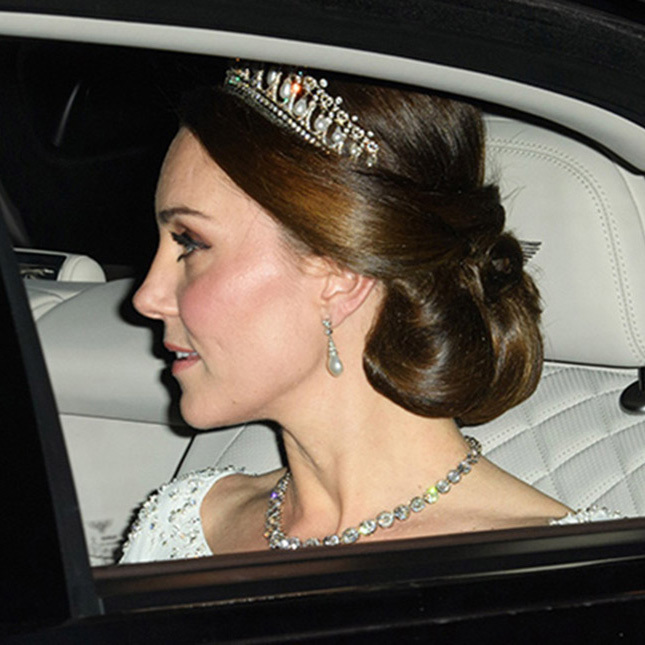 <h2>The royal party updo</h2>