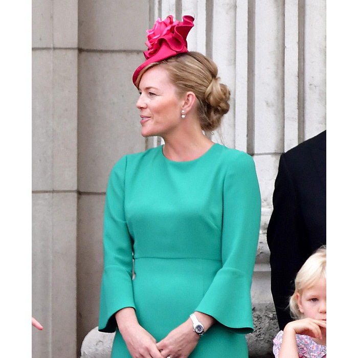 <h2>Autumn's elegant updo</h2>