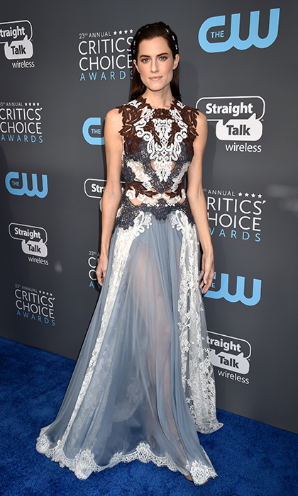 Allison Williams in Dolce & Gabbana