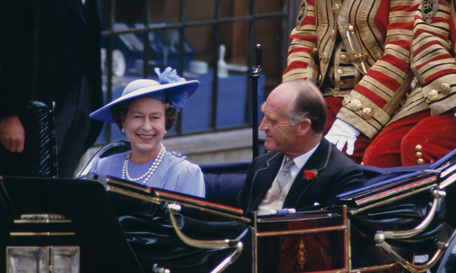 "<p>Mother-of-the-groom <a href=""/tags/0/queen-elizabeth-ii/""><strong>Queen Elizabeth Il</strong></a> looked delighted about the special day as she rode in a carriage along with father-of-the-bride Major Ronald Ferguson.</p>