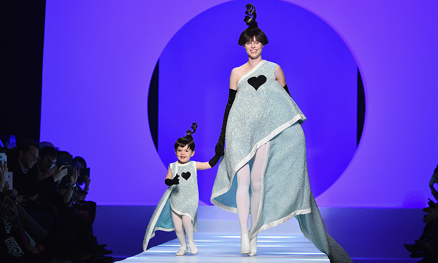 It definitely takes two to make the runway this cute! Canadian supermodel Coco Rocha walked the Jean-Paul Gaultier Haute Couture show with her little BFF, her daughter Ioni, 2. The model is currently pregnant with her second child, but that didn't stop her from hitting up Paris Fashion Week on Jan. 24!