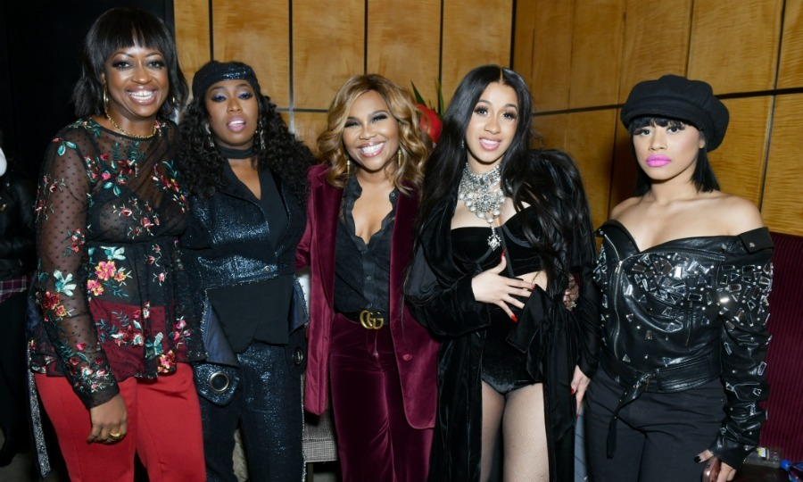 Missy Elliott chatted with Cardi B, her sister Hennessy Carolina and some other friends at the Warner Music Group Pre-Grammy Party.