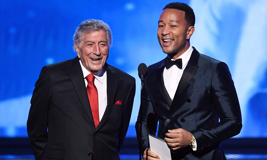 "<h4>Tony Bennett and John Legend singing ""New York, New York""</h4>