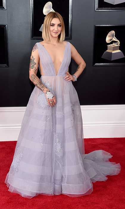 <p>Julia Michaels in Paolo Sebastian</p>