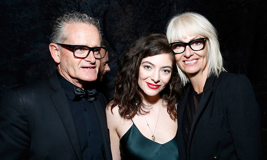 Lorde was all smiles despite being snubbed of a GRAMMY last night. She posed alongside Vic O'Connor and Sonya Yelchic at Universal Music's after party.