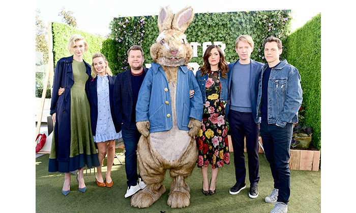 Elizabeth Debicki, Margot Robbie, James Corden, Rose Byrne, Domhnall Gleeson and Will Gluck hopped into a photo with Peter Rabbit while at the film's photo call at LA's London Hotel on Feb. 2.