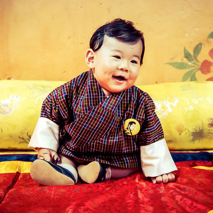 <p>King Jigme Khesar Namgyel Wangchuck of Bhutan took photos of his precious six-month-old son for their official September calendar.</p>