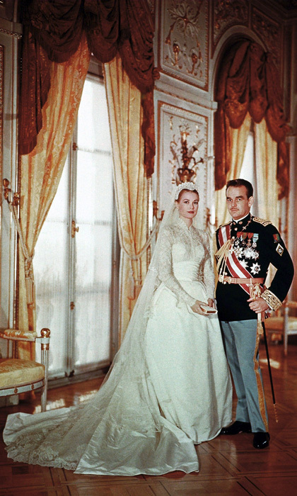 <h2>GRACE KELLY AND PRINCE RAINIER</h2>