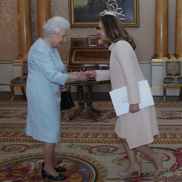 Susana de la Puente-Wiese, ambassador of the Republic of Peru, met with Queen Elizabeth II at Buckingham Palace on Feb. 14.
