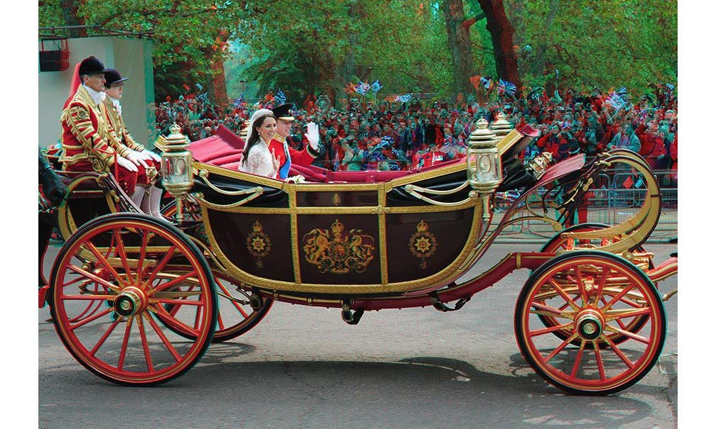 <h2>The carriage procession</h2>
