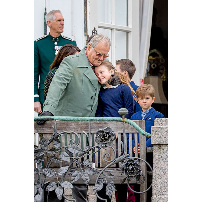 "<p><strong><a href=""/tags/0/prince-henrik/"">Prince Henrik of Denmark</a></strong>, who sadly passed away in February, shares an affectionate moment with Crown Prince Frederik and Crown Princess Mary's eldest daughter, 10-year-old Princess Isabella.</p>