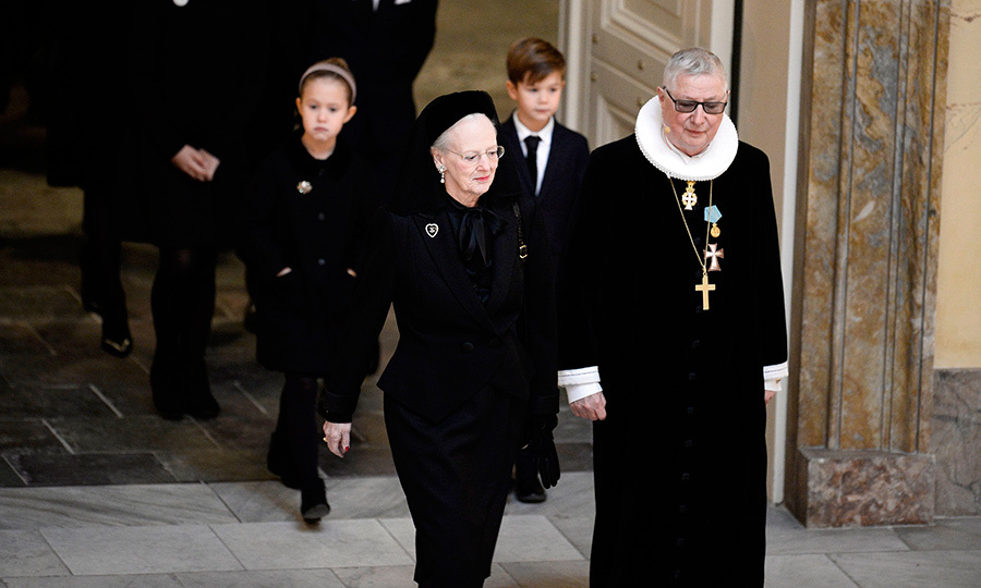 <p>Prince Henrik's widow Queen Margrethe of Denmark had been accompanied into the Christiansborg castle church by royal confessor Erik Norman Svendsen for the funeral service. </p>