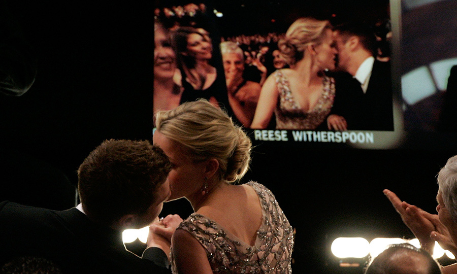 <p>Reese Witherspoon &amp; Ryan Phillippe</p>