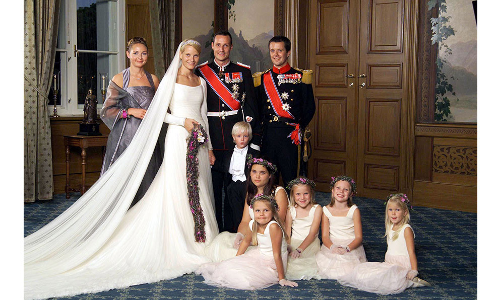<h2>Prince Haakon and Mette-Marit Tjessem Høiby, 2001</h2>