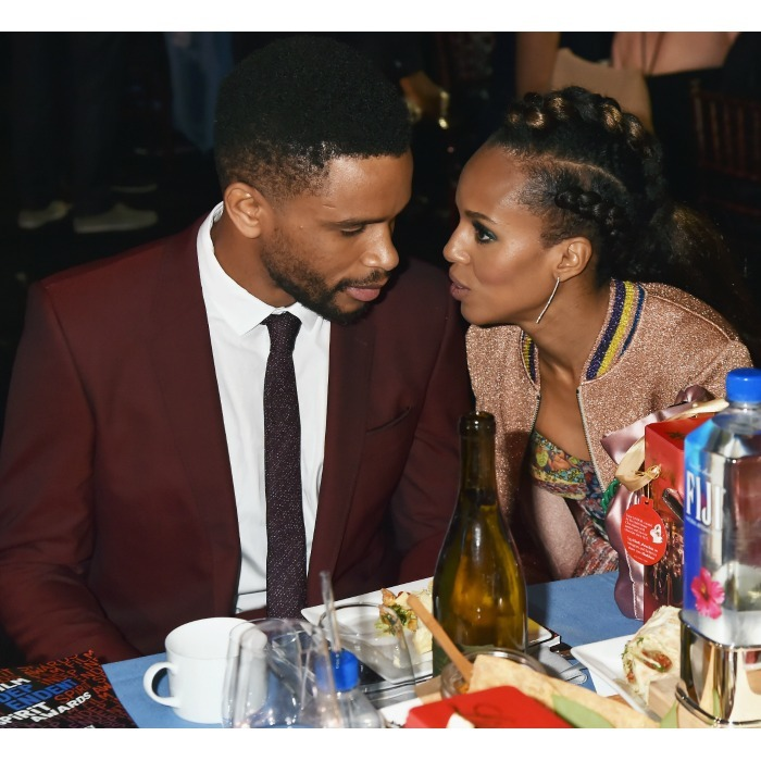 Kerry Washington and her hubby Nnamdi Asomugha shared a sweet moment at the 33rd annual ceremony. The Scandal star looked chic in a multicoloured dress and bomber jacket. They sipped on a bottle of FIJI, the official water of the evening.
