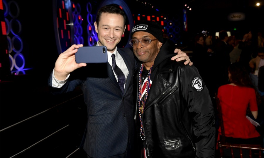 Selfie! Joseph Gordon Levitt and famed director Spike Lee posed together during the ceremony.