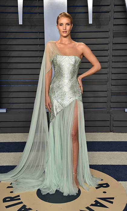 <p>Rosie Huntington-Whiteley was ethereal in in a mint-colored, goddess gown.</p>