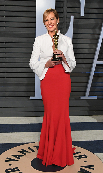 Allison Janney held up her well-deserved statue with pride! The actress won for her role in <i>I, Tonya</i>.