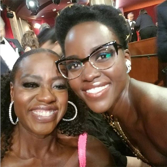 <p>Oscar winners Viola Davis and Lupita Nyong'o flashed their smiles for this fab selfie at the ceremony.</p>