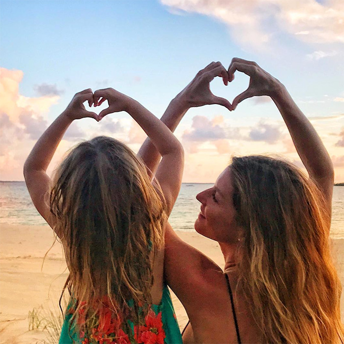 Gisele Bündchen shared a beautiful photo of herself and her daughter, Vivian.