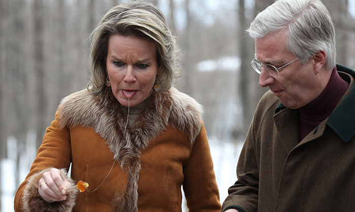 Watch out, Queen Mathilde! The syrup doesn't always go down smoothly...