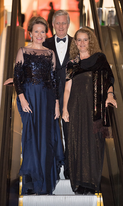 Queen Mathilde and King Philippe joined Governor General Julie Payette for a Belgian concert followed by a stylish cocktail party. Julie and Mathilde glittered in their beautiful gowns!