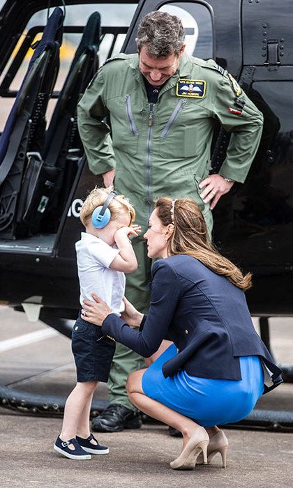 The Duke and Duchess of Cambridge have made no secret of the fact that their little one loves planes and helicopters (he even offered to fly them home from Canada!), but while meeting a helicopter pilot Prince George had a bit of a meltdown. Mom comforted the third-in-line to the throne as the kind pilot looked on with a reassuring smile.
