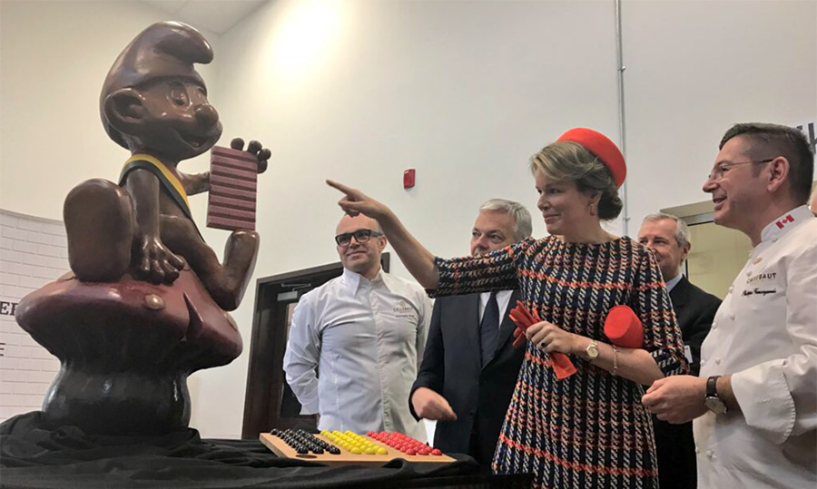 Does Queen Mathilde have a sweet tooth? The royals paid a visit to Chocolate Academy de Barry Callebaut to see how this big guy was made!