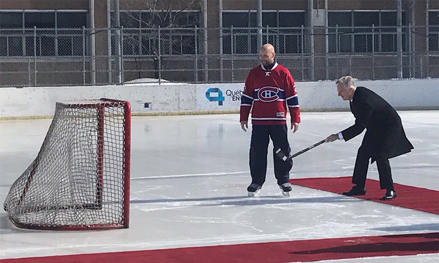 He shoots, he scores! King Philippe tried his hand at ice hockey while visiting Montreal.