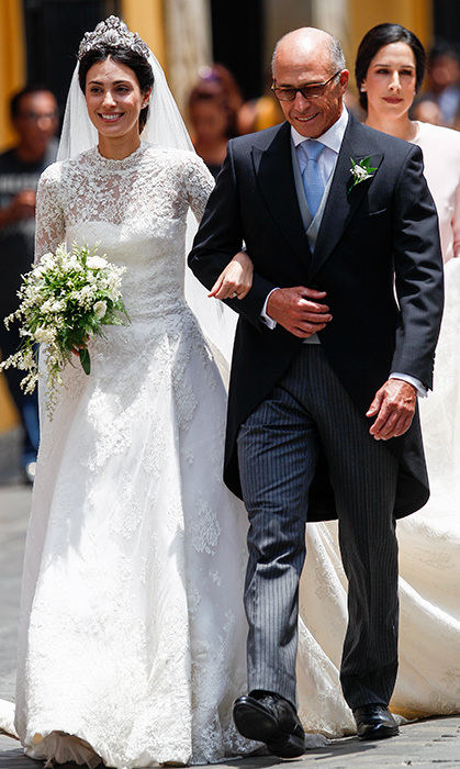 <p>Alessandra's father, Felipe de Osma, looked overcome with joy as he walked his daughter to Basilica San Pedro.</p>