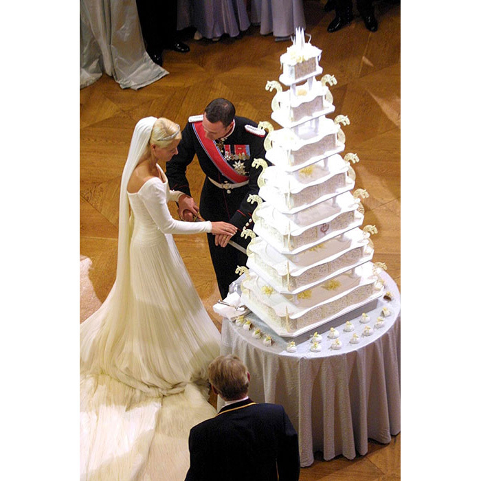 <h2>Prince Haakon of Norway and Mette-Marit: White Chocolate Fruitcake</h2>