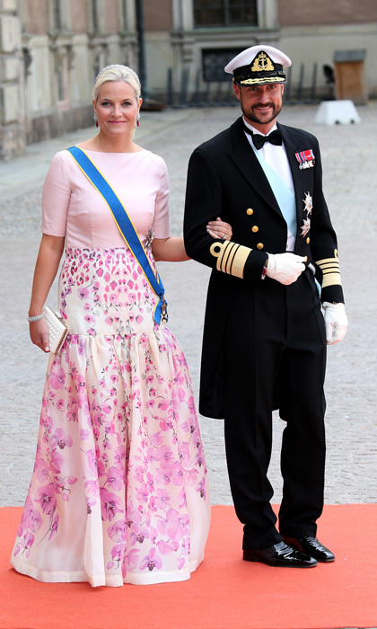 <p><a href=/tags/0/crown-princess-mette-marit><strong>Crown Princess Mette-Marit</strong></a>'s pink flowers flowed down her floor-length skirt, making her one of the standouts during <a href=/tags/0/prince-carl-philip><strong>Prince Carl Philip</strong></a> of Sweden and <a href=/tags/0/princess-sofia><strong>Princess Sofia</strong></a>'s wedding in 2015.