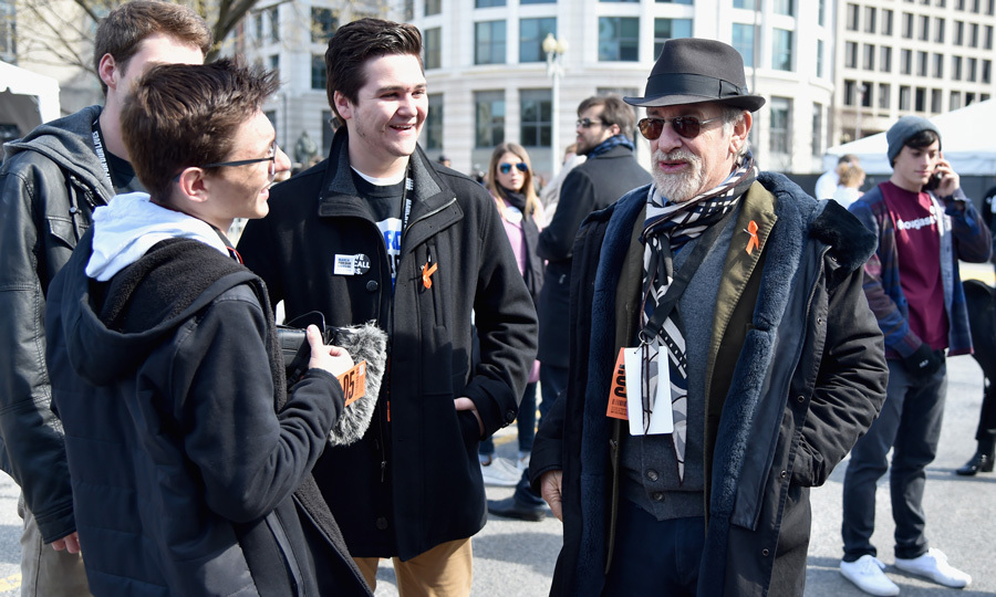 Steven Spielberg chatted with students on the street of D.C.