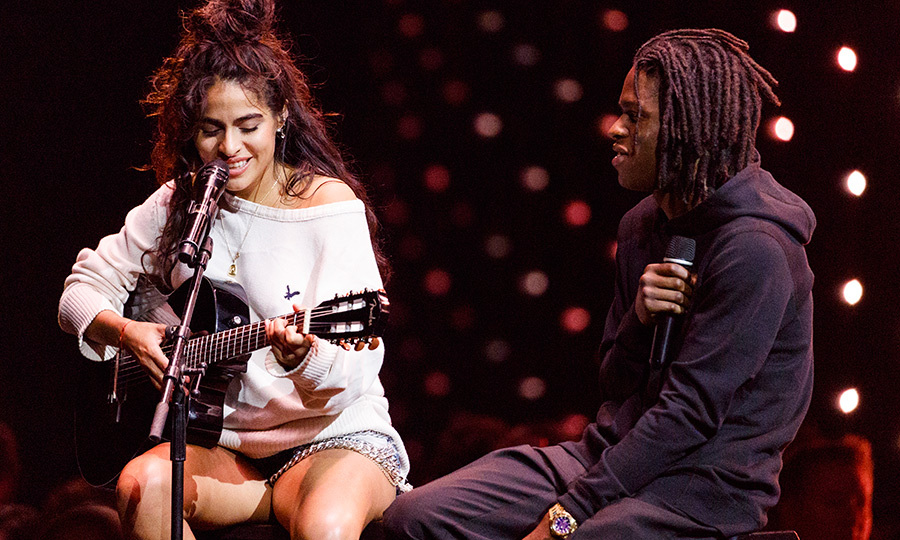 <p>Up-and-coming Canadian musicians Jesse Reyez and Daniel Caesar performed a stunning duet at the 2018 JUNO Awards on March 25 in Vancouver.</p>