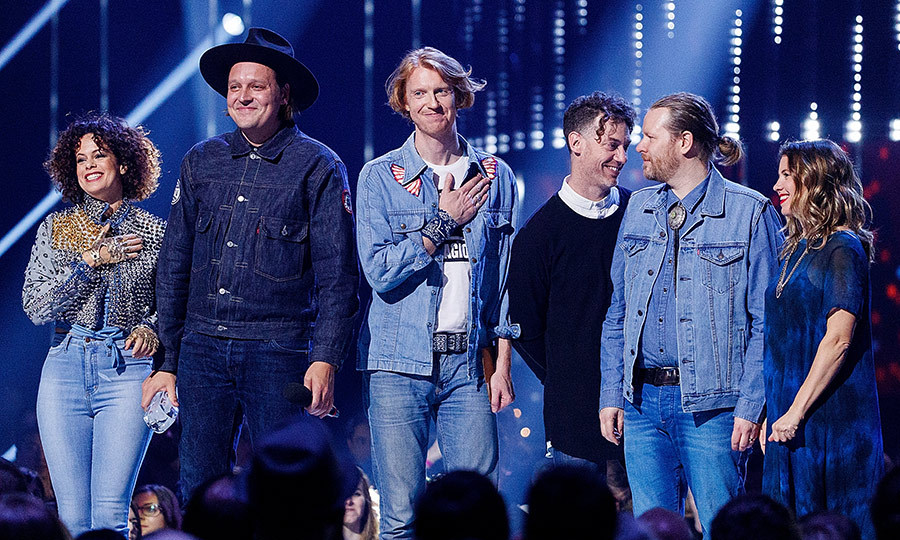 <p>Regine Chassagnes, Win Butler, Richard Reed Parry, Jeremy Gara and Tim Kingsbury of Arcade Fire took home the JUNO award for best album for <em>Everything Now</em> and international achievement.</p>
