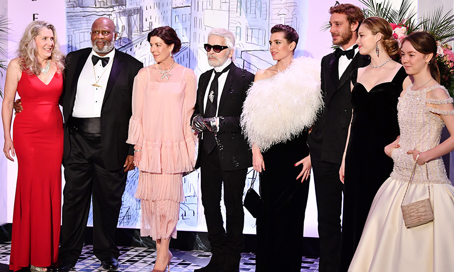 <p>Princess Caroline, Karl Lagerfeld, Charlotte Casiraghi, Pierre Casiraghi, Beatrice Casiraghi and Princess Alexandra stopped for a stylish group photo at the 2018 Rose Ball.</p>
