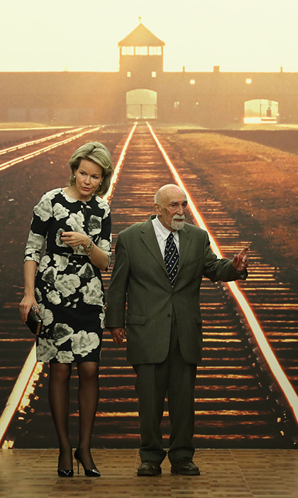 <p>Queen Mathilde  and Holocaust survivor Simon Gronowski visited the Kazerne Dossin, a memorial, museum and documentation centre on the Holocaust and human rights in Mechelen on March 27.</p>