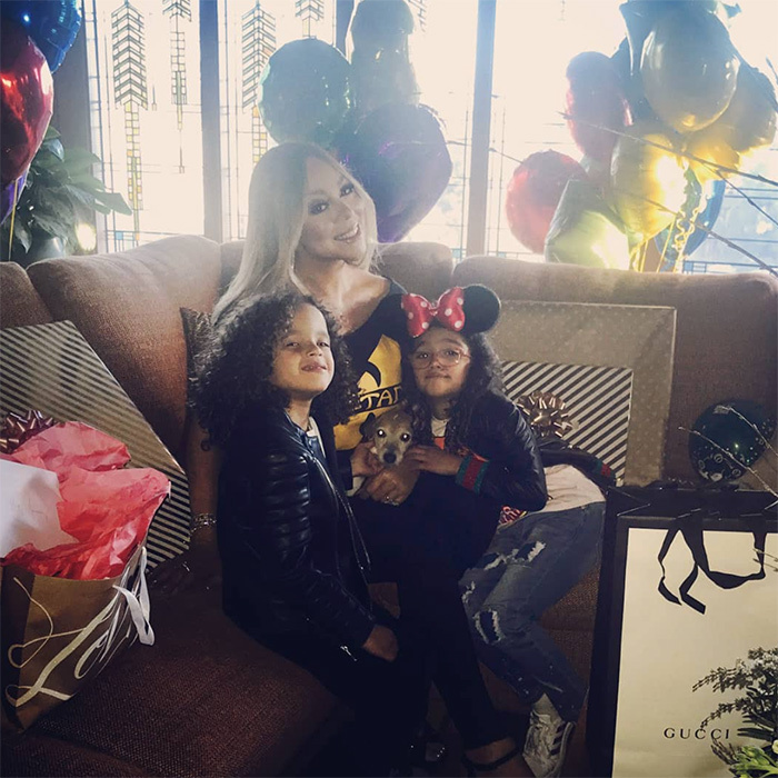 <p>Legendary singer Mariah Carey took her adorable twin kiddos Morocco and Monroe, 6, to Disney World on Tuesday (March 28). Monroe even rocked some cute Minnie Mouse ears!</p>