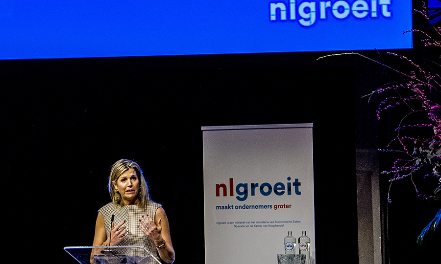 <p>Queen Maxima spoke during a 'NLgroeit' event to support entrepreneurs in realising their ambitions in Halfweg on March 28.</p>