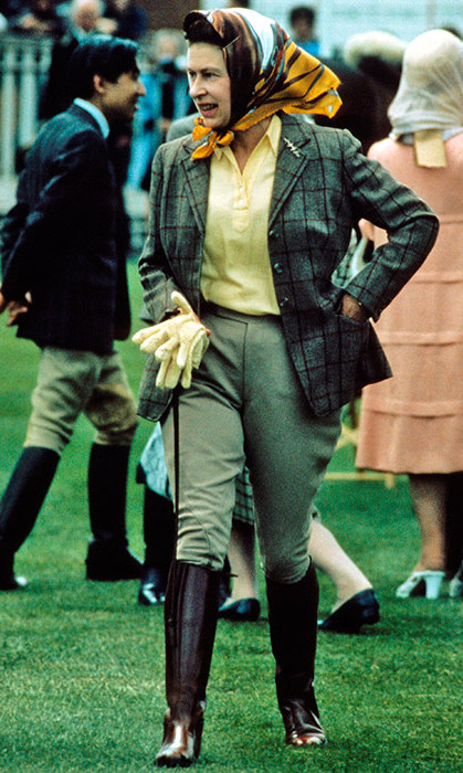 <p>The Monarch looked extremely chic dressed in green jodhpurs, a matching tweed jacket and headscarf at the Windsor Horse Show in 1988.