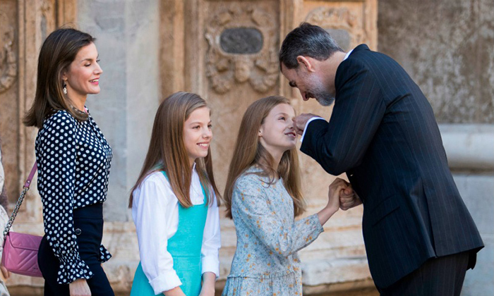 <p>King Felipe joked around with his daughters Princess Leonor and Infanta Sofia as mom Queen Letizia looked on with a smile.</p>