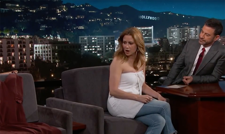 <p>Jenna Fischer suffered a minor wardrobe malfunction right before hitting Jimmy Kimmel's stage! While preparing for her appearance on his talk show <em>Jimmy Kimmel Live!</em>, the zipper on Jenna's dress broke so she had to get a little creative. <em>The Office</em> star came out in a pair of jeans with a towel wrapped around her upper-body instead.</p>